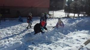 zabawy na śniegu.2