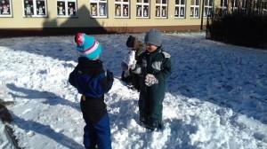 zabawy na śniegu.4